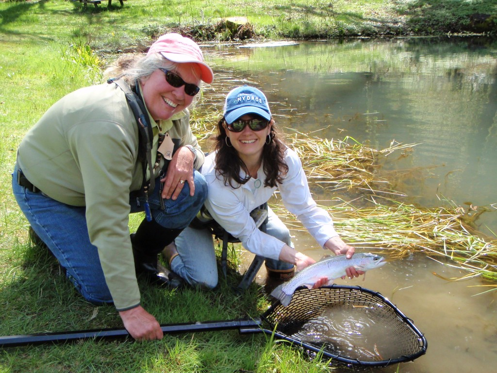 Stone fly maiden s women fly fishing class at roaring for Women fly fishing