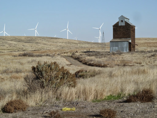 The local scenery is loaded with wind turbines - very cool.